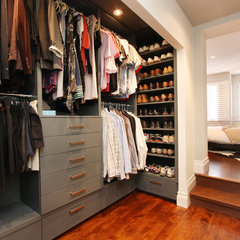 contemporary closet by Hall Developments