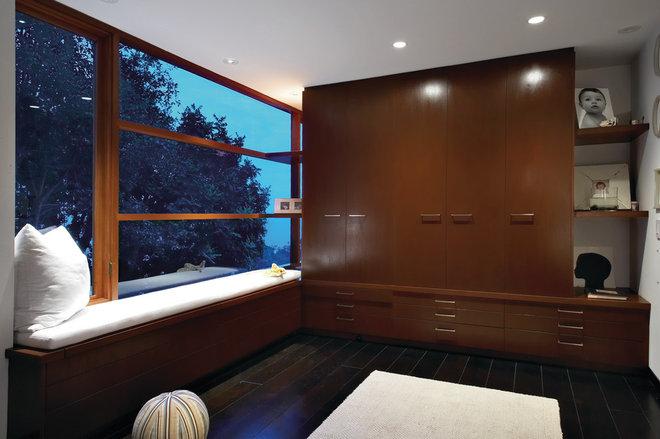 Contemporary Closet by Aria Design Inc