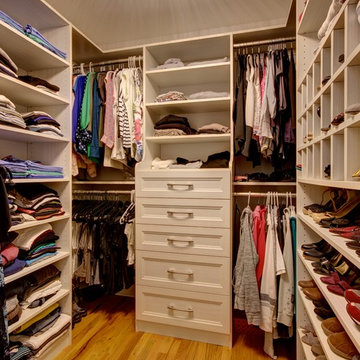 Her Custom Walk-In Closet in White Chocolate
