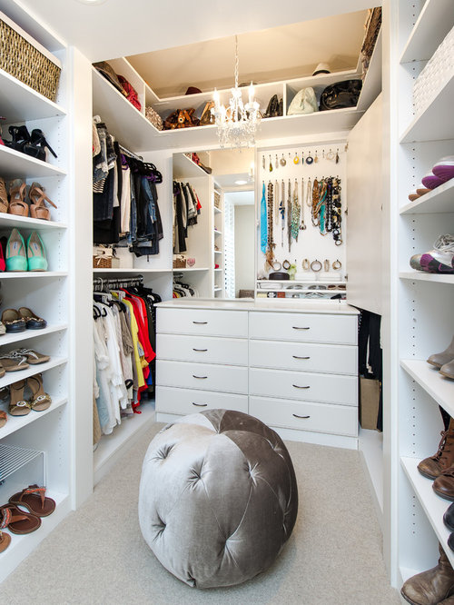 Best small walk in closet design ideas remodel pictures for Closet design los angeles