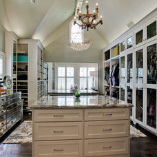 Traditional Closet by Durrett Homes