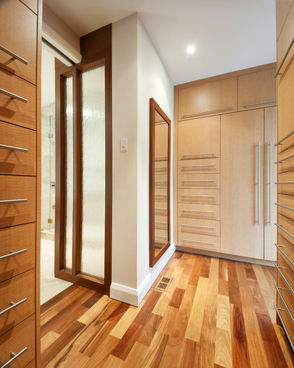 Contemporary Closet by Southam Design Inc