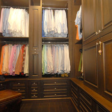 Traditional Closet by Elias Benabib, Corp.
