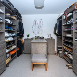 Mid Sized Transitional Menu0027s Carpeted And Gray Floor Walk In Closet Photo  In Philadelphia