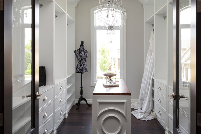 Traditional Closet by Upstaging