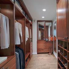 Traditional Closet by Studio 360