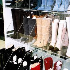 Contemporary Closet by ESTHER CHEREM DISEÑO E INNOVACIÓN A TU MEDIDA