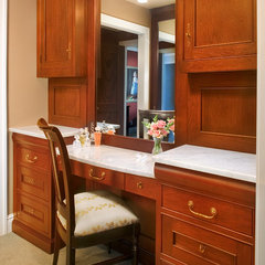 traditional closet by Visbeen Associates, Inc.