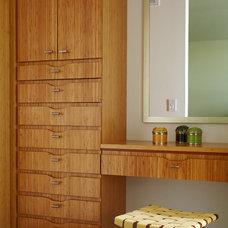 Modern Closet by Narofsky Architecture + ways2design