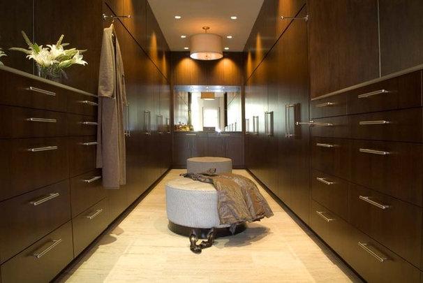 Contemporary Closet by jamesthomas, LLC