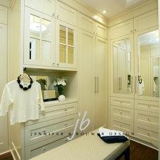 Contemporary Closet by Jennifer Brouwer (Jennifer Brouwer Design Inc)