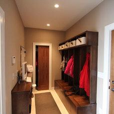 Modern Closet by Jerry Bussanmas
