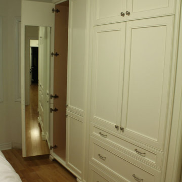Kalmar Avenue - Bedroom Master Closet