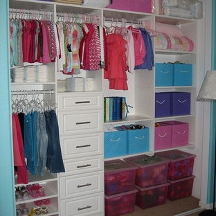 Kids' closets and spaces