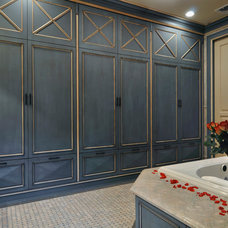Traditional Closet by Kitchen Designs by Ken Kelly, Inc. (CKD, CBD, CR)