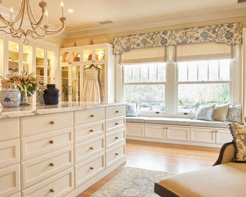 Traditional Closet Design Ideas, Remodels & Photos