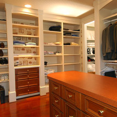 traditional closet by Erdreich Architecture, P.C.