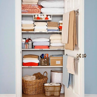 Inspiration for a timeless closet remodel in San Francisco