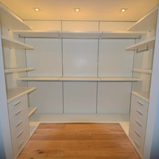 Modern Closet by LVE Enterprises, Inc