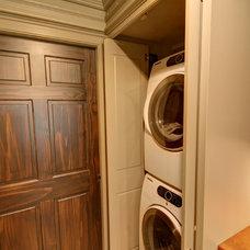 Traditional Closet by RTA Studio
