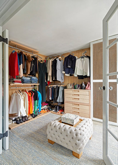 Transitional Closet by Sigmar