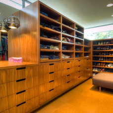 Modern Closet by Bertram Architects