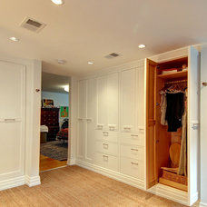 Eclectic Closet by Tektonics Architecture