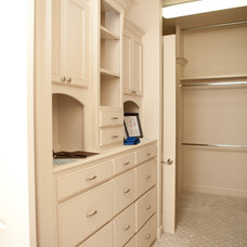 Contemporary Closet by B&S Woodworking Inc.