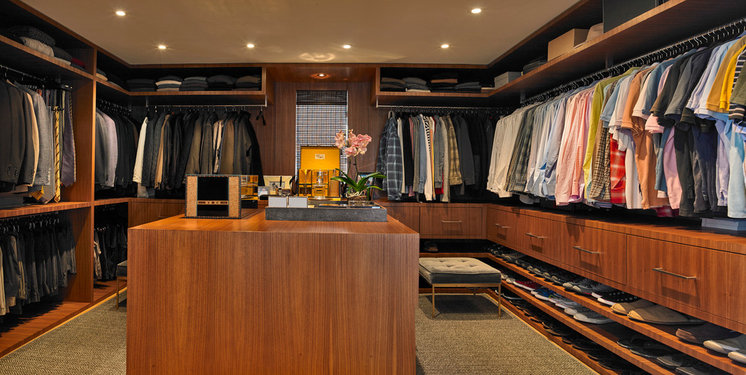 Contemporary Closet by Carolyn Reyes