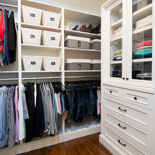 This is an example of a storage and wardrobe in Los Angeles.