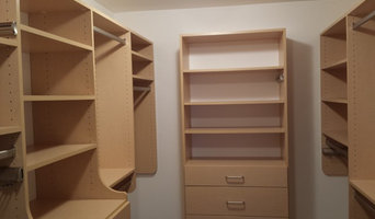 Maple Walk In Closet