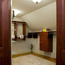 Craftsman Closet by Naplex Construction LLC