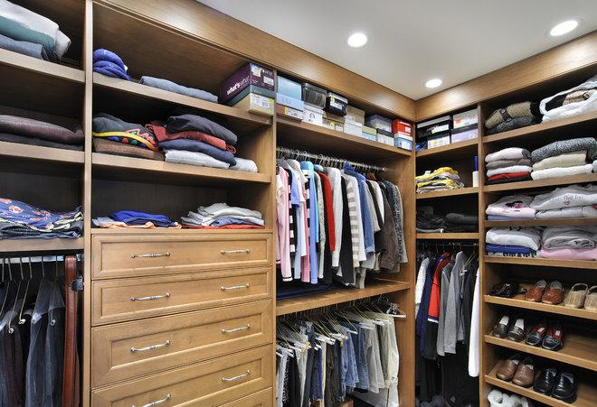 Modern Closet by Angie Keyes CKD
