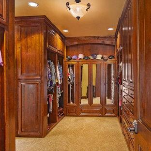 Idéer för att renovera en rustik garderob