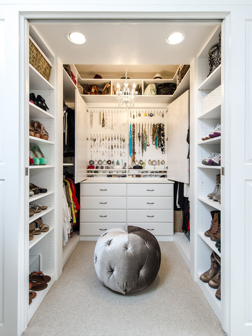 Best Small Walk-In Closet Design Ideas & Remodel Pictures ...