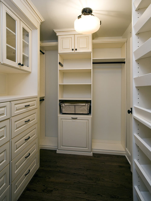 Example Of An Arts And Crafts Closet Design In Chicago