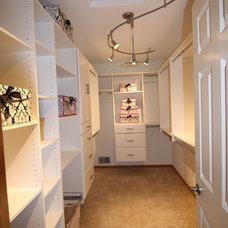 Traditional Closet Master Closet