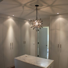 Modern Closet by Irwin Allen Design Build Inc.