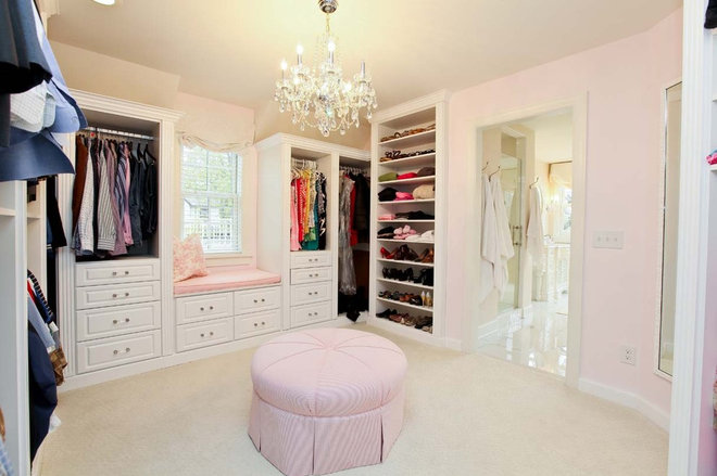 Traditional Closet by REFINED LLC
