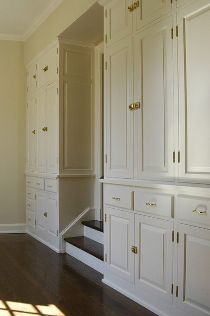 Traditional Closet by Benvenuti and Stein