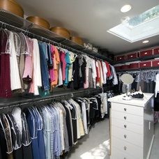 Contemporary Closet by Pagenstecher Group