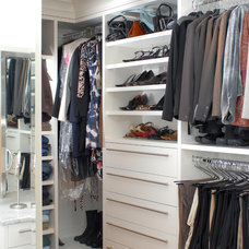 Closet by WoodWorks INC.