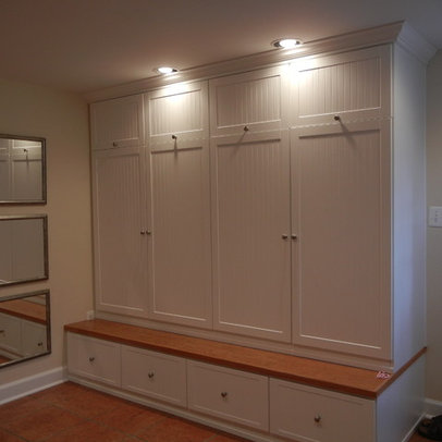 Mudroom Lockers With Beadboard Home Design Ideas, Pictures, Remodel ...