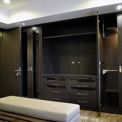 modern closet by Arkitec2ra Design Group