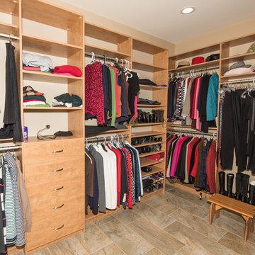 Montoursville - Master Bedroom Closet