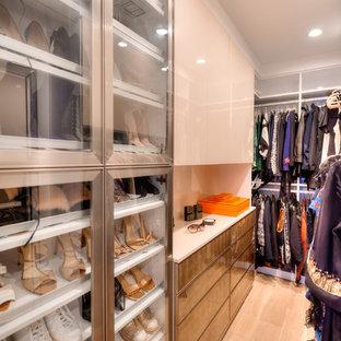 Foto de armario vestidor mediterráneo pequeño