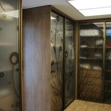 Modern Closet by Móveis Silochi