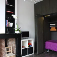 Contemporary Closet by Holly Marder
