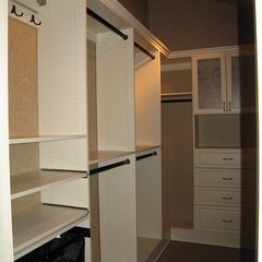 traditional closet by N | R Design Group - Closets Plus by Canyon Creek
