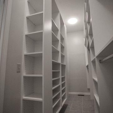 Narrow room walking closet